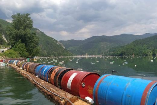 Višegrad Drina smeće