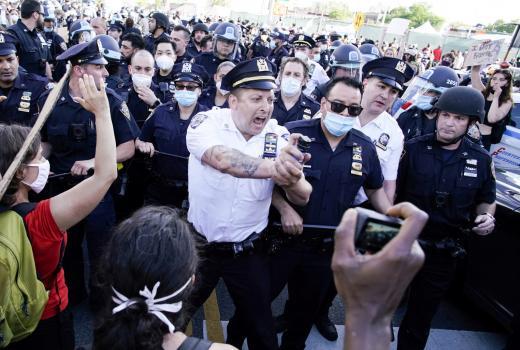 Najmanje 125 prijavljenih slučajeva kršenja slobode medija tokom tri dana američkih protesta