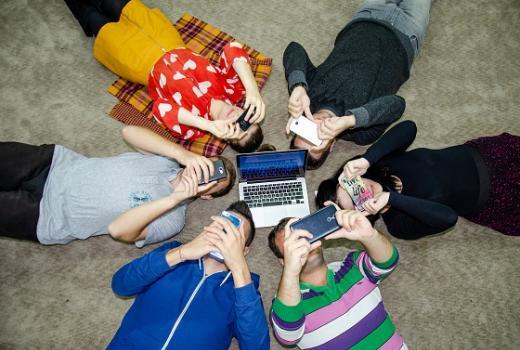 Kako mladi koriste medije - Fotografijom do odgovora
