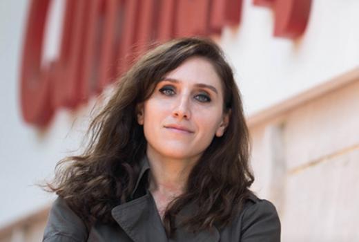 Turska novinarka osuđena na 13 mjeseci zatvora zbog istrage Paradise Papers