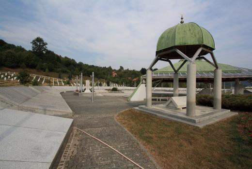 Kandski institut za istraživanje genocida traži da negiranje genocida u Srebrenici bude zabranjeno na Facebooku