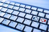 Velika Britanija: Regulatorna agencija da ima ovlasti nad internetom