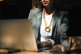 Feminizacija interneta pomaže u sprečavanju online nasilja